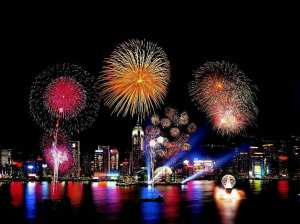 new-year-fireworks-hong-kongb