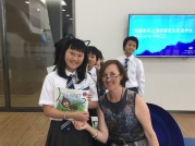booksigning-with-a-cute-cat-nacis-nov-2016